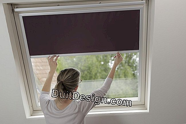 Change an interior blind of Velux roof window
