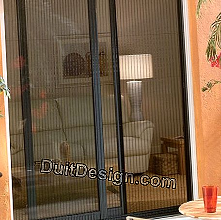 Sliding pleated screen for french windows