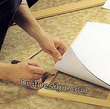 Glue the rice paper or fabric stretched over the cross pieces of the panels