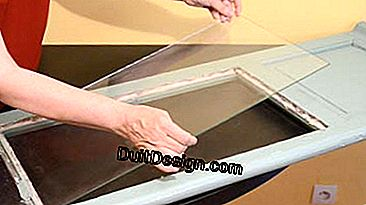 Replace a glass on a French window