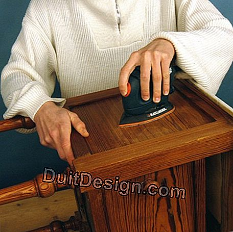 Use triangular delta sander for flat surfaces and angles