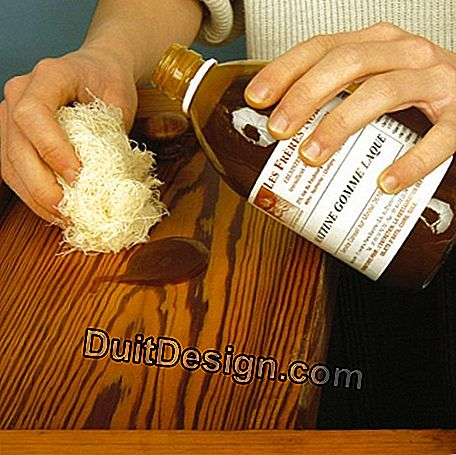 Apply shellac in the direction of wood grain