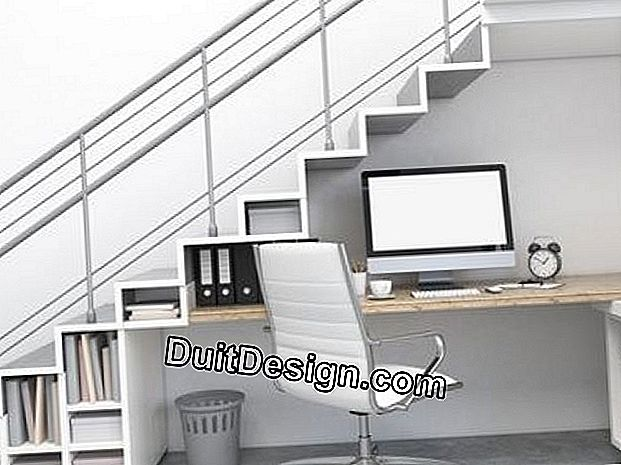 Arrange an office under the stairs