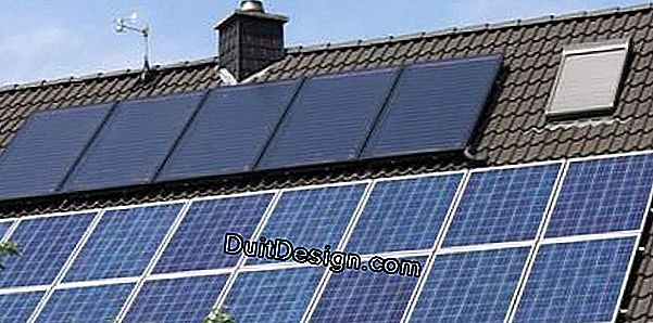 Combined installation of photovoltaic and thermal panels