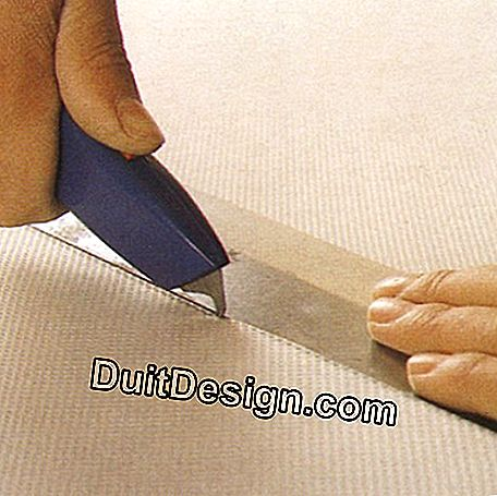 Cut the blade with the cutter guiding you with the metal ruler
