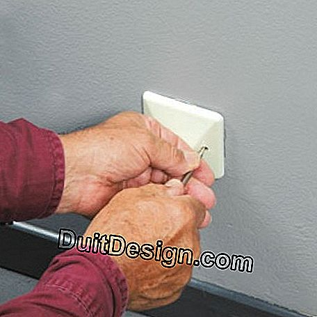 Unscrewing the cable outlet cover