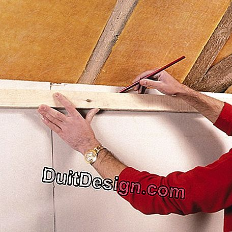 Install composite panels and glass wool under roof: wool