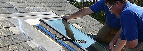 Installing a Velux on a roof Trilatte