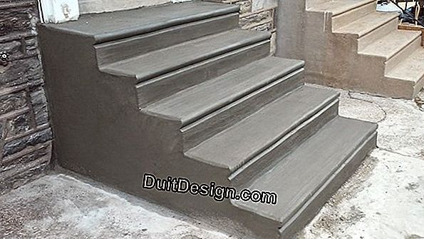 Waxed concrete steps