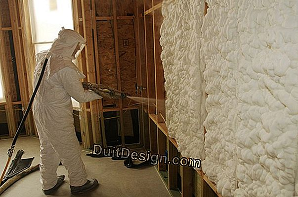 Exterior insulation in projected polyurethane foam