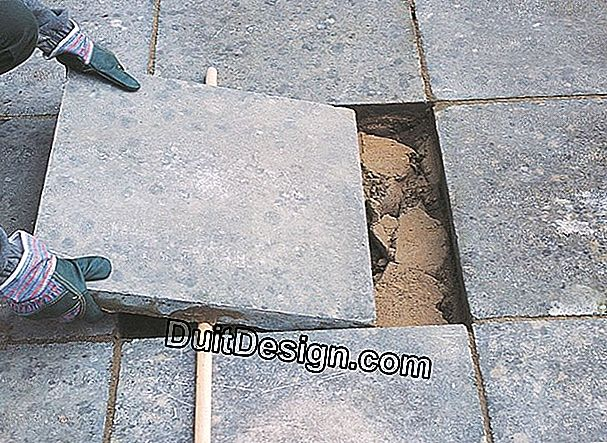WHAT IS THE BEST SOLUTION FOR CLEANING SELF-LOCKING PAVERS?