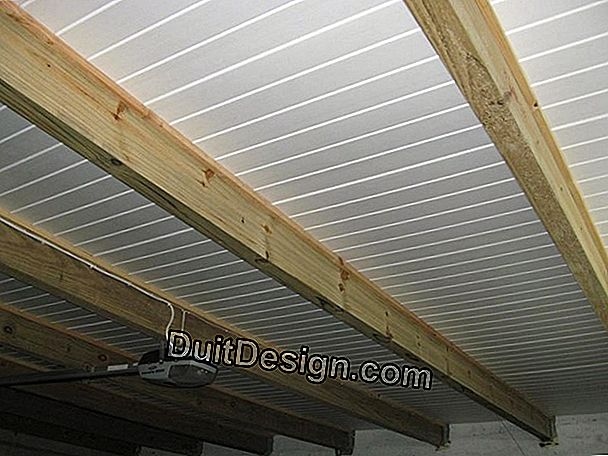 Insulation of a corrugated iron roof