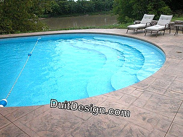 Decorative coping for swimming pool