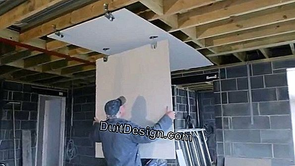 Insulate a plasterboard ceiling