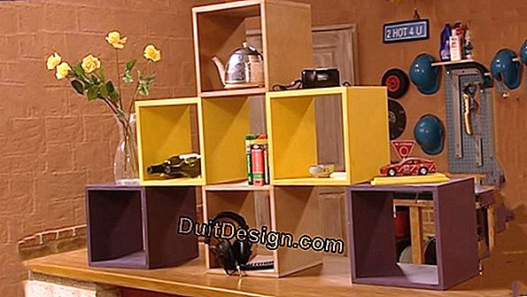 Make a wooden shelf with modular boxes