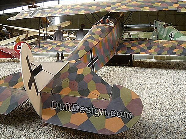 Restoration of a Fokker E fighter plane in ULM