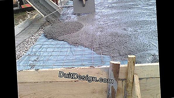 Pouring a concrete slab on a panel and joisting