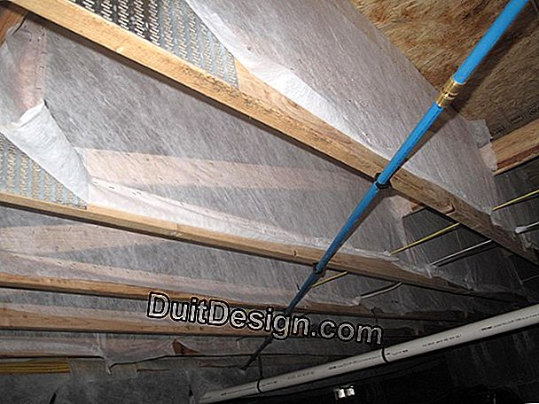 Insulate a floor by the ceiling (from below)