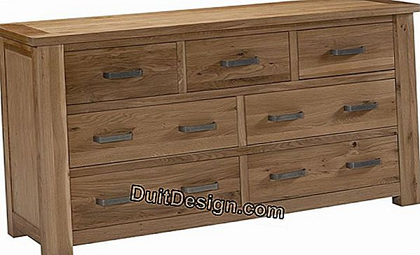 Build a chest of drawers in light oak