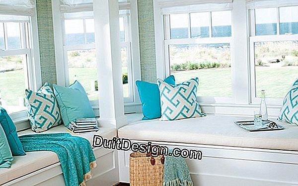 Decoration: eliminate paint on a window