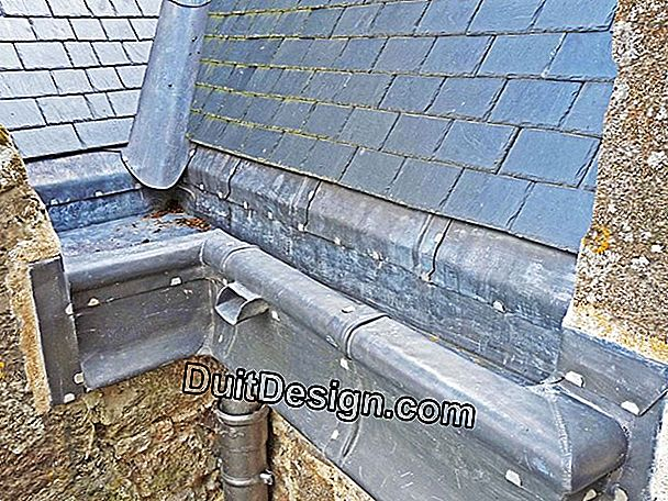 Connect a zinc gutter chute