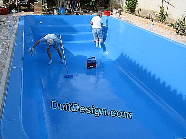 Repainting a polyester shell pool