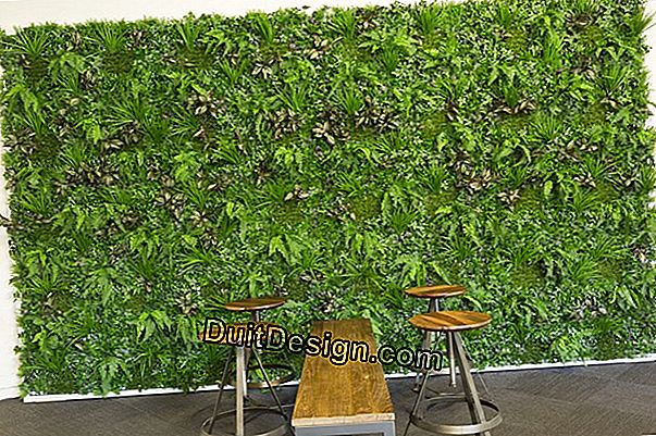 Artificial garden hedges