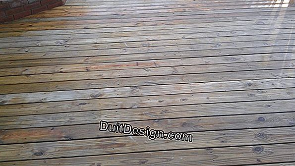Protect a wooden deck against UV