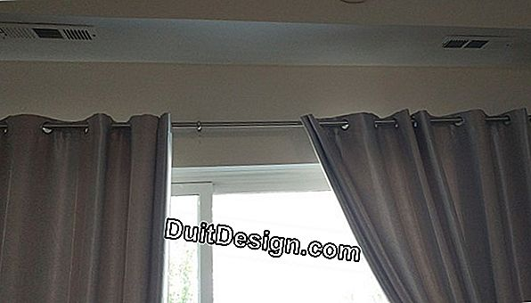 Reinforce the central support of a curtain rod