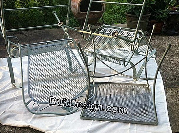 Repainting garden furniture with spray paint