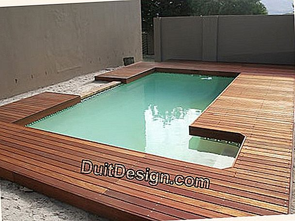 Install a pool on a wooden deck