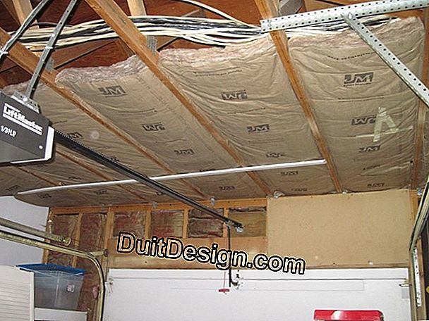 How to insulate the ceiling of a garage?