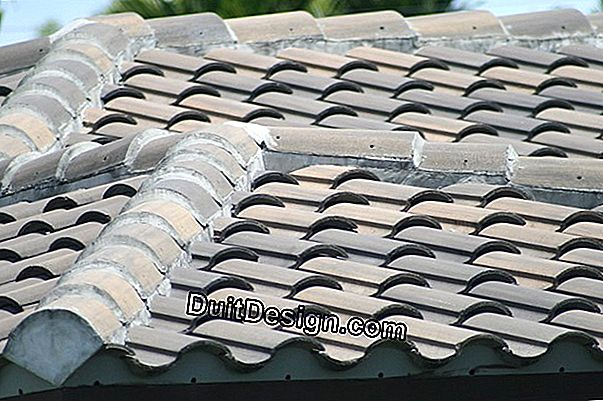 Roof with concrete tiles