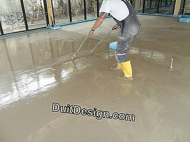 Screed self-leveling