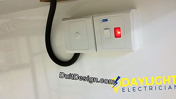 Electrical connection of a kitchen oven