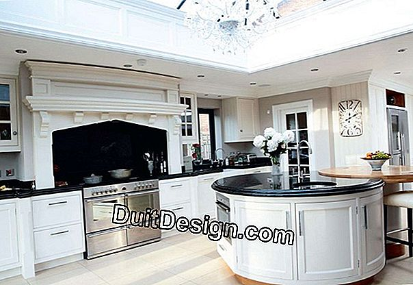 Open kitchen with glass roof