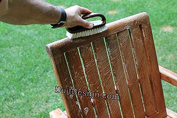 How to clean a garden furniture in wood or teak?