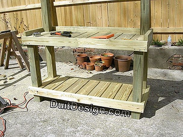 DIY: make a potting table by recycling