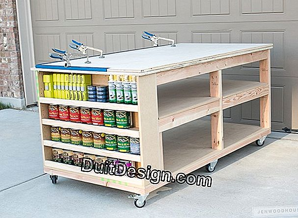 Make workshop shelves and a mobile workbench