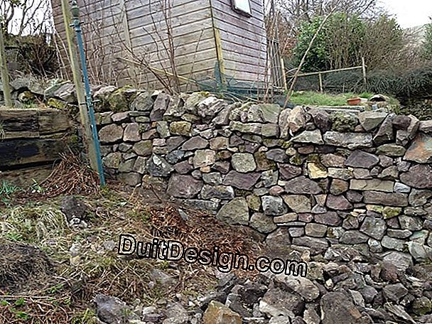 How to rebuild a dry stone wall?