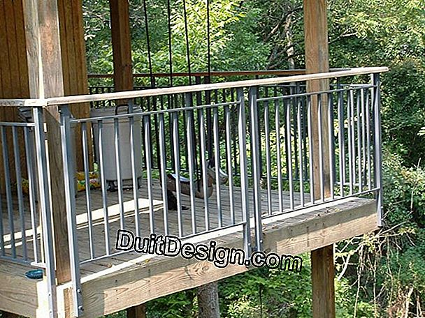 How to make a metal deck railing
