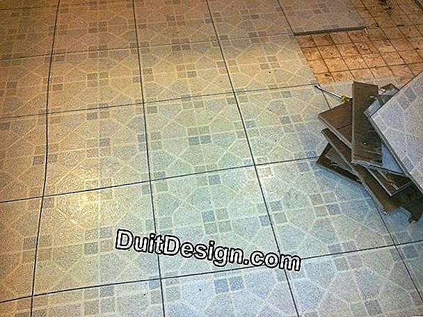 How to remove traces of cement on tiles made of porcelain stoneware?