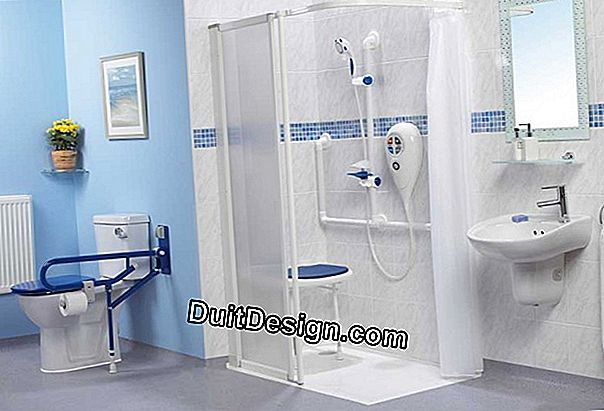 Shower accessories for seniors or people with reduced mobility