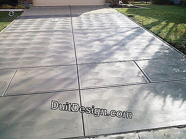 The finishes of a concrete driveway