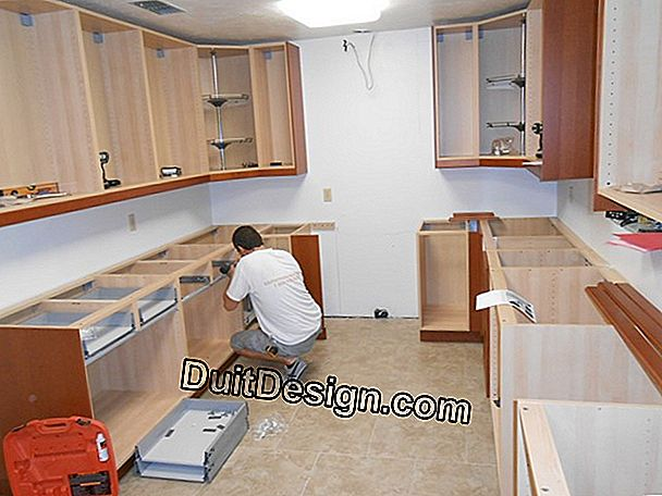 How to make and install a kitchen cabinet?