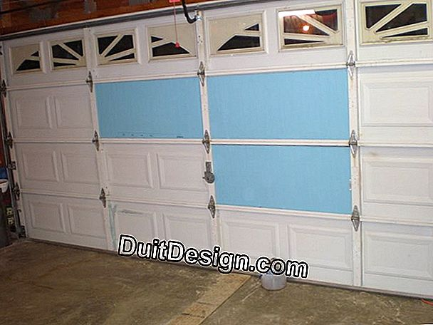 How to insulate a wooden garage door?