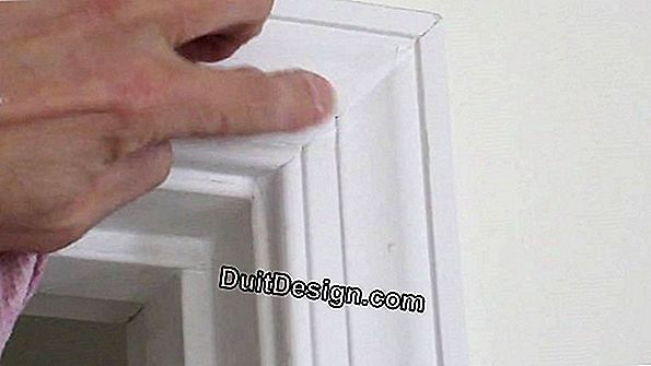How to caulk a door