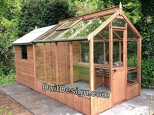 Make a wooden garden shed