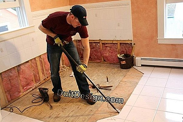Remove the foam from the tiles without abusing the products