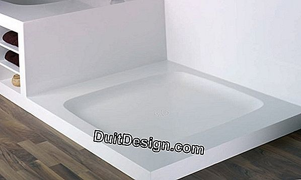 Install a shower tray